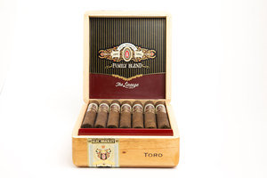 Alec Bradley - The Lineage Toro Cigar - Box of 20