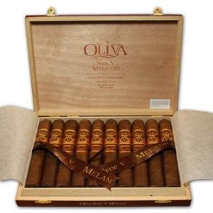 Oliva Melanio Natural Serie V Double Toro - Box of 10