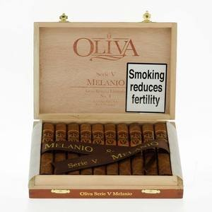 Oliva Melanio Natural Serie V Petit Corona - Box of 10